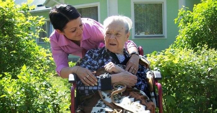 Какие пожилые люди нуждаются в опеке