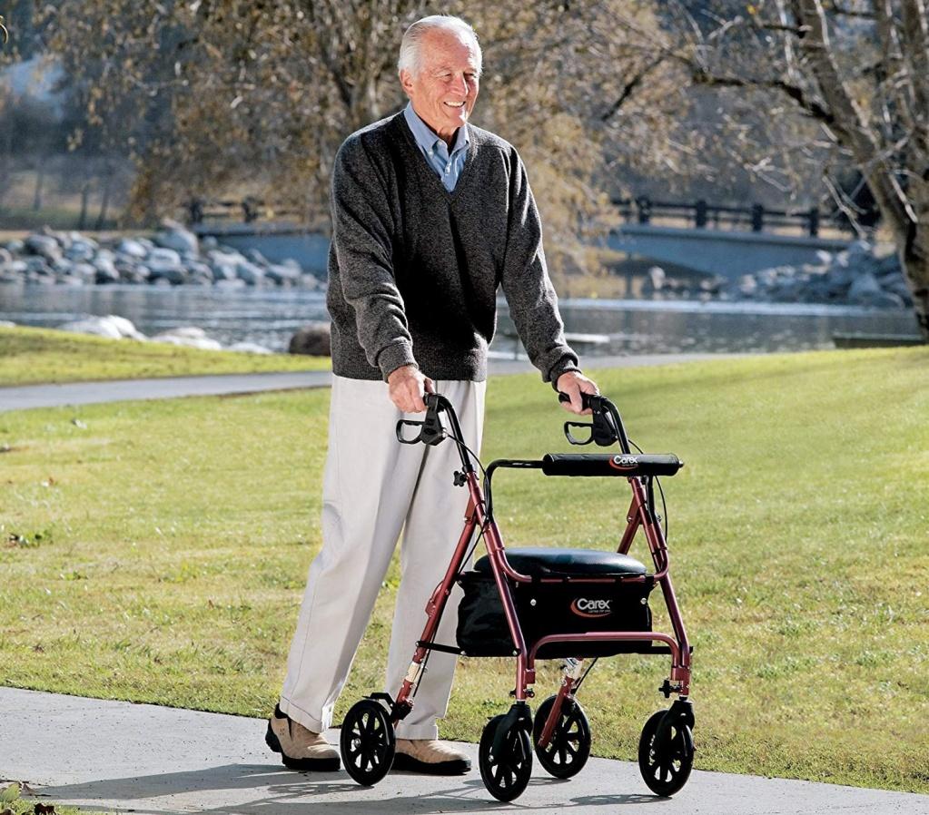 Преимущества ходунков для пожилых людей