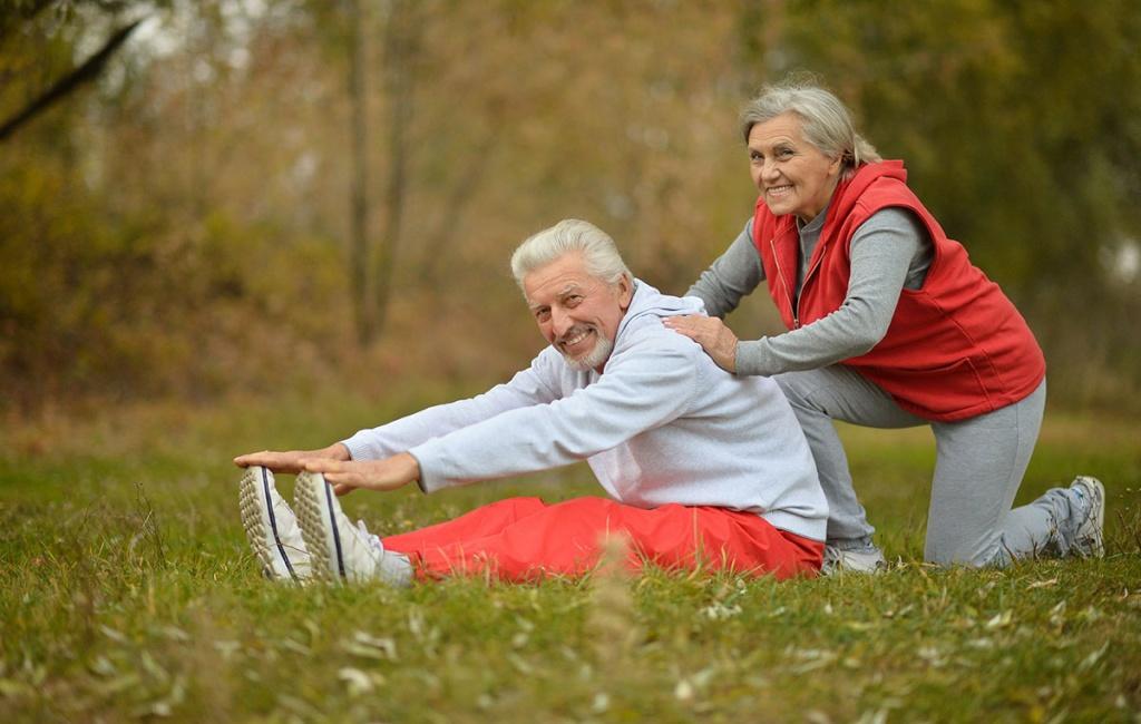 Картинки пожилой человек занимается спортом